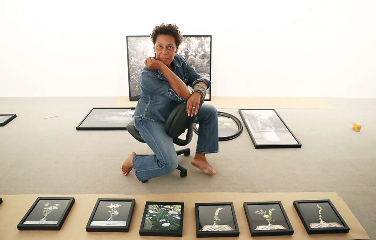 Artist Carrie Mae Weems Photos licensed under a Creative Commons license. Courtesy of the John D. & Catherine T. MacArthur Foundation Carrie Mae Weems, 2013 MacArthur Fellow