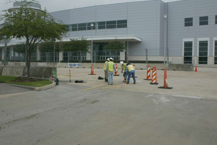 Day 2, Sept. 30 @ 10 a.m. - Preparing race track curb Photo: John De Layre
