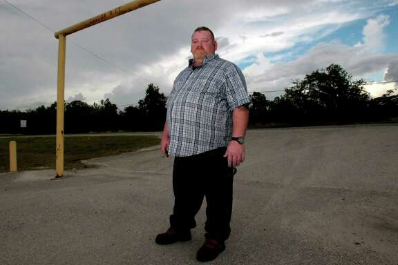 Chris McCoy lives in a camper in the parking lot behind Bob-n-Jeans on FM 1924 in Baytown. That's where he was when his best efforts weren't enough to save the 2-year-old victim of a road-rage wreck on Sunday morning.