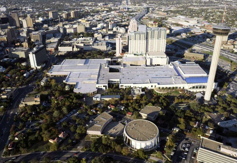 """PKF Consulting USA Vice President Randy McCaslin said, """"Occupancy is finally back and supply is staying down and there's a lot of good economic growth. Now is the time to take advantage and raise those rates."""" Photo: Billy Calzada / San Antonio Express-News"""