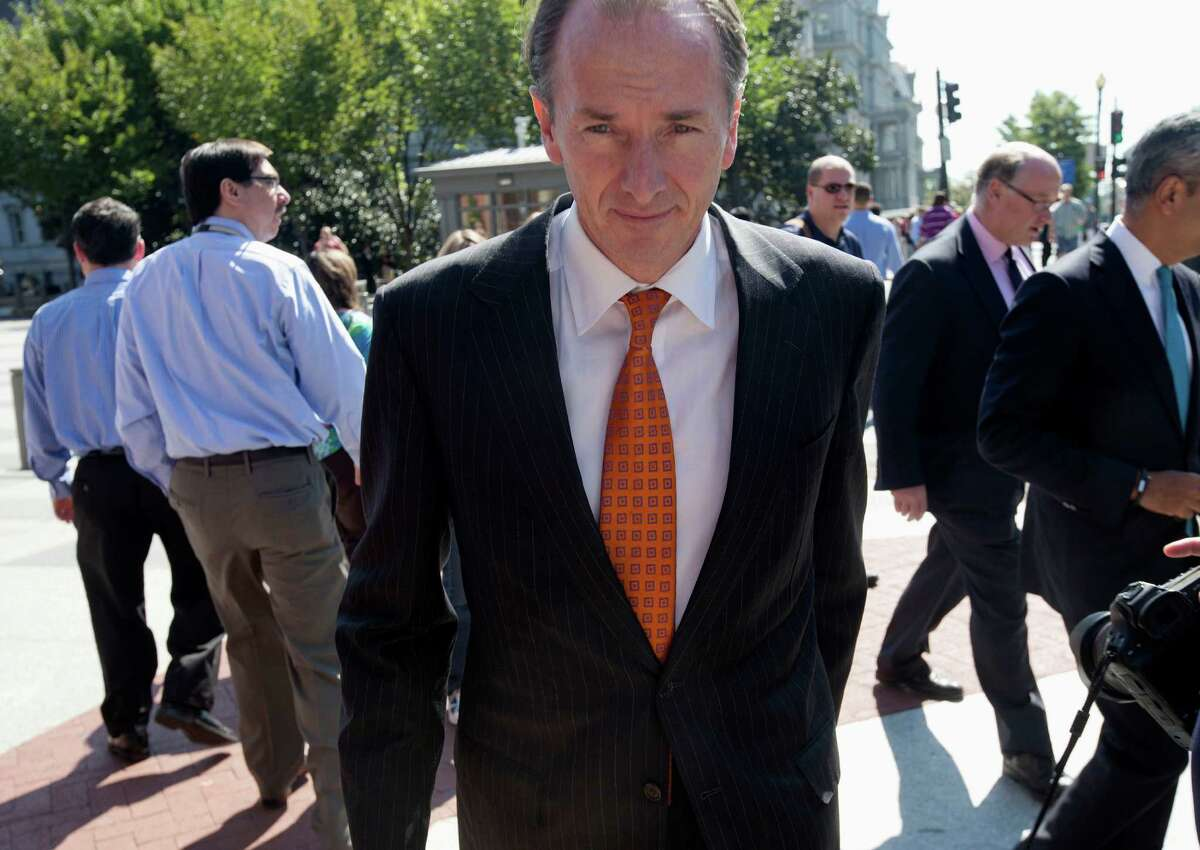 Morgan Stanley Chairman James Gorman, above, leaves the White House on Wednesday after he and other financial leaders met with President Barack Obama on the debt ceiling and the economy. The leaders called for an end to the shutdown and a hike in the federal debt ceiling. Goldman Sachs Group CEO Lloyd Blankfein, right, and Bank of America CEO Brian Moynihan also attended.