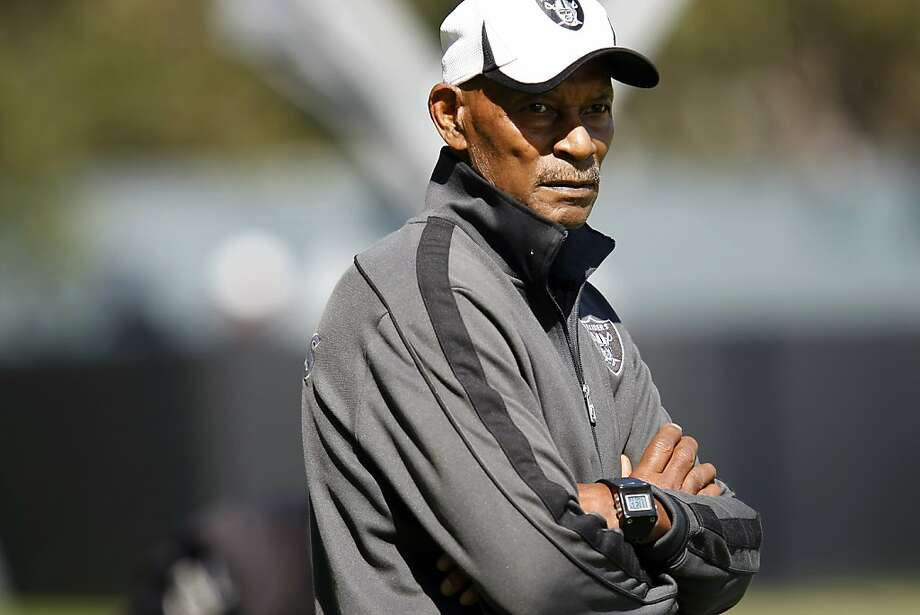 Willie Brown was head coach at Long Beach State when Mike McCoy was quarterback. Photo: Michael Short, The Chronicle