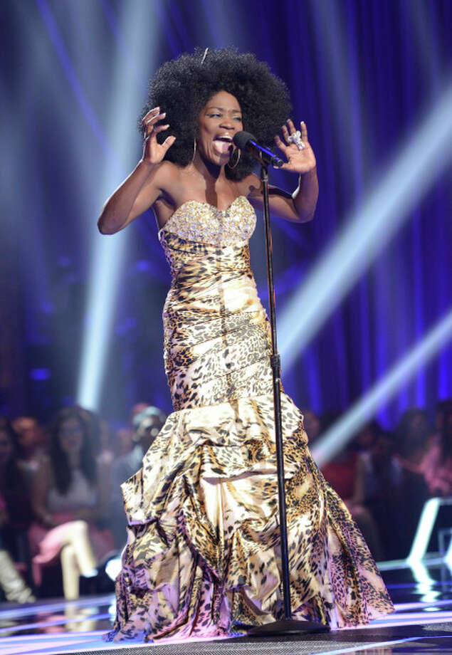 THE X FACTOR: FOUR CHAIR CHALLENGE: Contestant Lillie McCloud performs at the FOUR CHAIR CHALLENGE on THE X FACTOR airing Wednesday, Oct. 2 (8:00-10:00 PM ET/PT) on FOX.  CR: Michael Becker / FOX. © Copyright 2013 FOX Braodcasting.