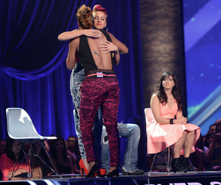 THE X FACTOR: FOUR CHAIR CHALLENGE: Contestants at the FOUR CHAIR CHALLENGE on THE X FACTOR airing Wednesday, Oct. 2 (8:00-10:00 PM ET/PT) on FOX.  CR: Michael Becker / FOX. © Copyright 2013 FOX Braodcasting.