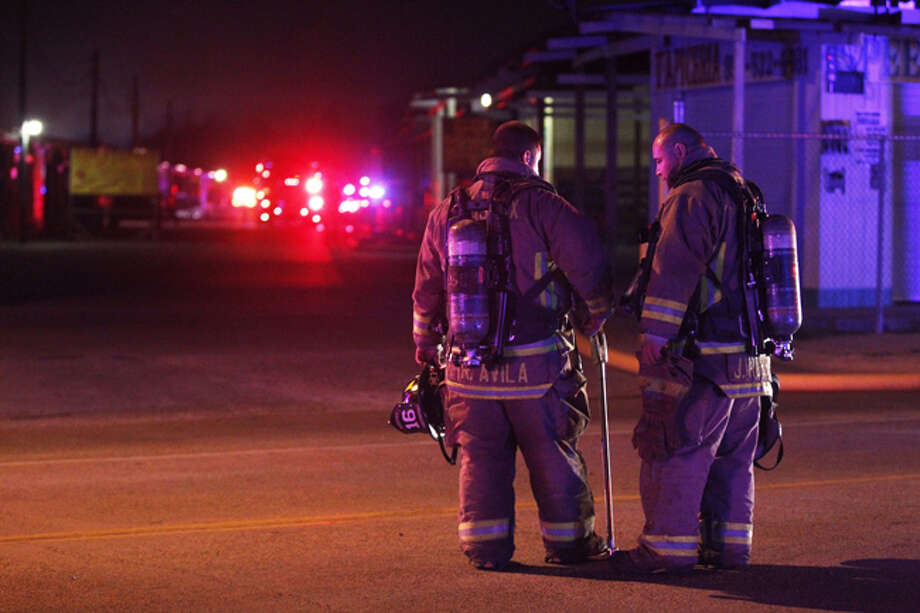A blaze broke out about 5 a.m. Thursday at Sinta Flea Market at 8813 Airline near Gulf Bank, with multiple area fire crews responding. Photo: Johnny Hanson, Houston Chronicle