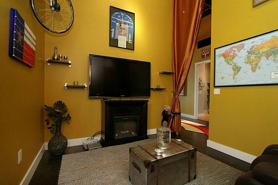 Listing agent: Tara Wikoff