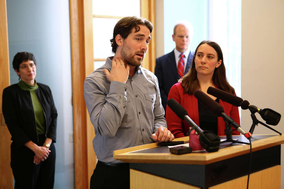 Dan Schulte describes injuries to his wife Karina Ulriksen-Schulte during a press conference. At his side is his sister Marilyn Schulte. Photo: JOSHUA TRUJILLO, SEATTLEPI.COM / SEATTLEPI.COM
