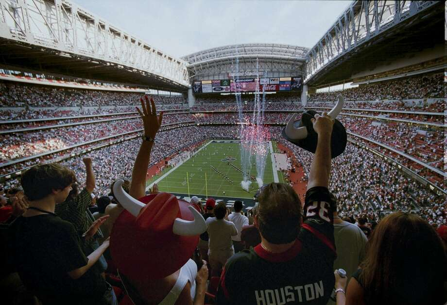 You don't boo your team at home. It's just not done. Photo: Houston Chronicle File Photo