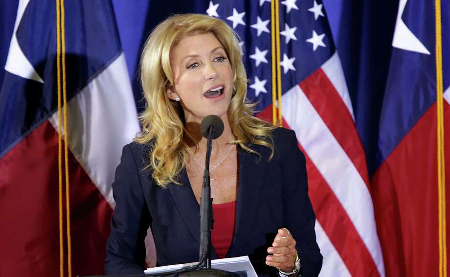 State Sen. Wendy Davis announces her candidacy for Texas governor on Oct. 3, 2013, at W.G. Thomas Coliseum in Haltom City. Photo: Bob Owen, San Antonio Express-News / ©2013 San Antonio Express-News