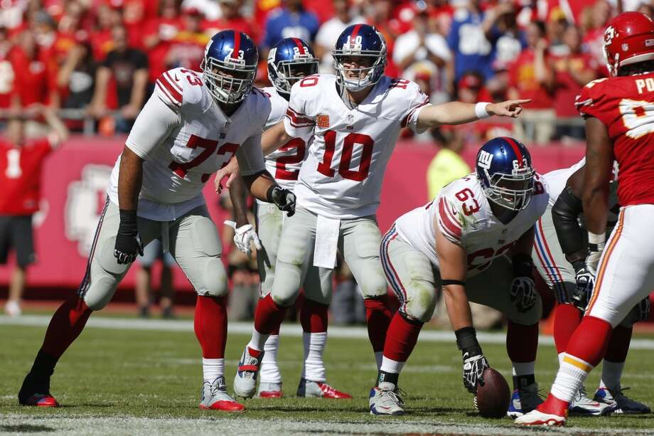 Philadelphia (1-3) plus-2 ½ at NY Giants (0-4): Giants 31-27 Photo: Ed Zurga, Associated Press