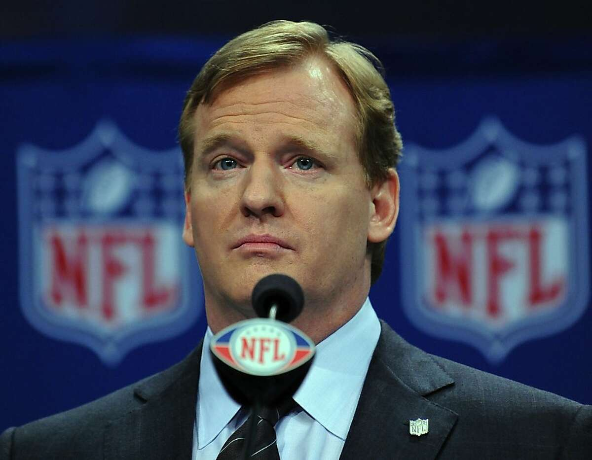 Image #: 6982248 NFL Commissioner Roger Goodell holds a news conference to discuss the state of the National Football League during the week of Super Bowl XLIII in Tampa, Florida, on January 30, 2009. The NFL's Super Bowl XLIII will feature the Arizona Cardinals vs. the Pittsburgh Steelers on Sunday, February 1.