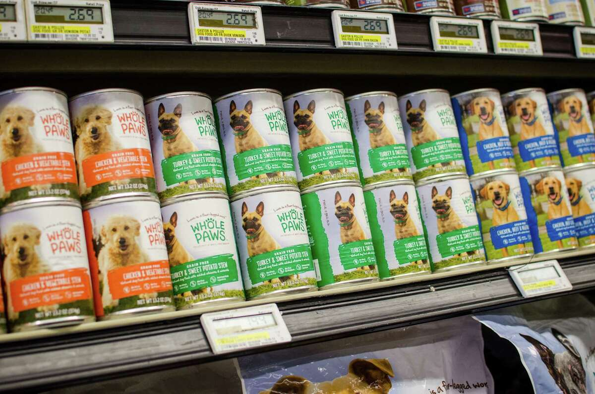 Donations are needed for a pet food drive in west Houston this Saturday.
