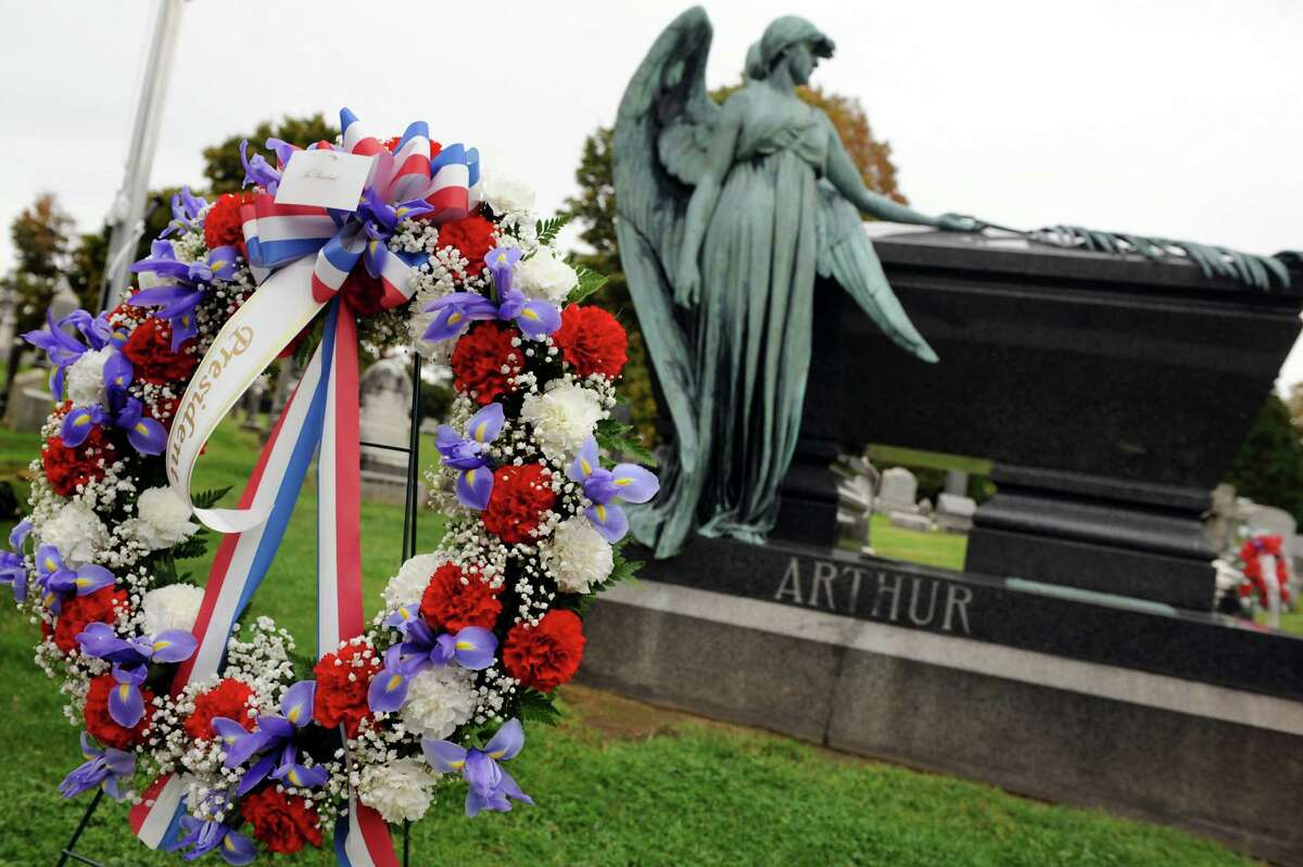 A wreath ordered by the White House decorates President Chester Alan Arthur's grave on his birthday on Saturday, Oct. 5, 2013, at Albany Rural Cemetery in Menands, N.Y. (Cindy Schultz / Times Union)