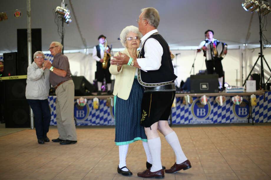 Ken Schwarzwalder and Betty Schwarzwalder of Yakima dance. Photo: JOSHUA TRUJILLO, SEATTLEPI.COM / SEATTLEPI.COM