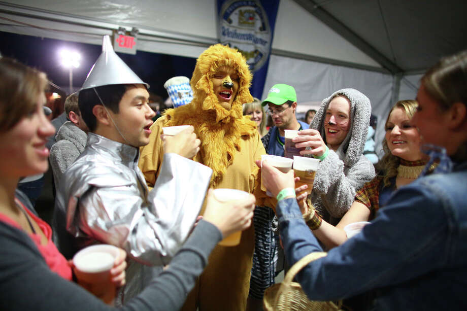 Costumed participants enjoy their beer. Photo: JOSHUA TRUJILLO, SEATTLEPI.COM / SEATTLEPI.COM
