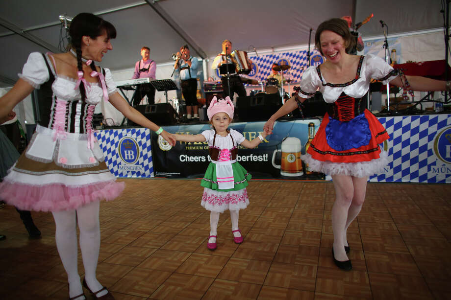 Dori Dawson, Penny Dawson and Traci Briggs dance. Photo: JOSHUA TRUJILLO, SEATTLEPI.COM / SEATTLEPI.COM