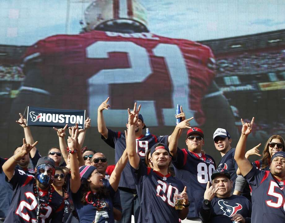 Texans fans shows their support at Candlestick Park in San Francisco. Photo: Brett Coomer, Houston Chronicle