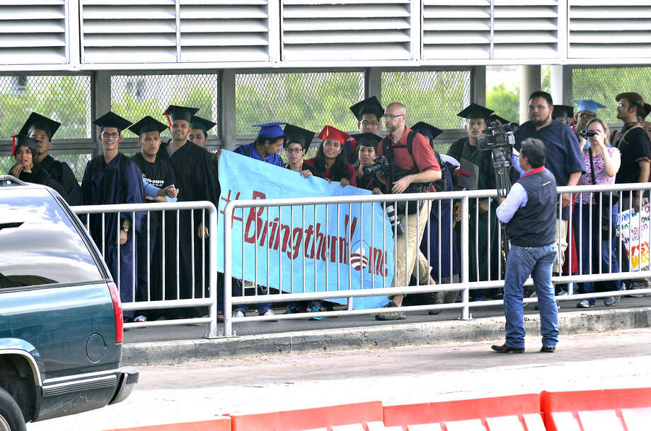 """Dreamers"" make their way to the immigration booth at the Gateway to the Americas International Bridge. Photo: Cuate Santos / Laredo Morning Times"
