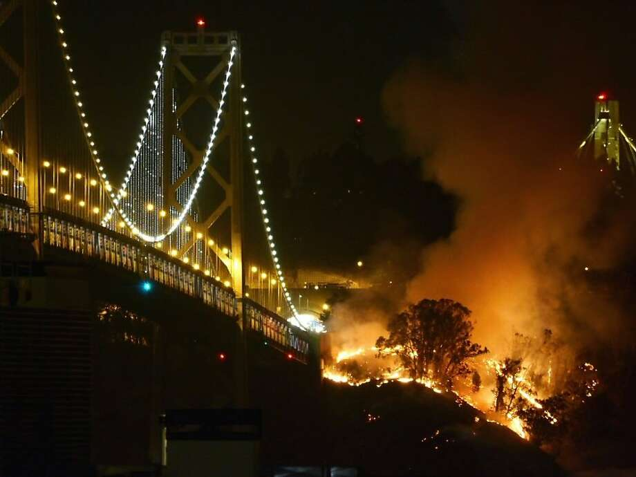 A brush fire on Yerba Buena Island disrupted traffic on October 6, 2013. Photo: Brandon Watson