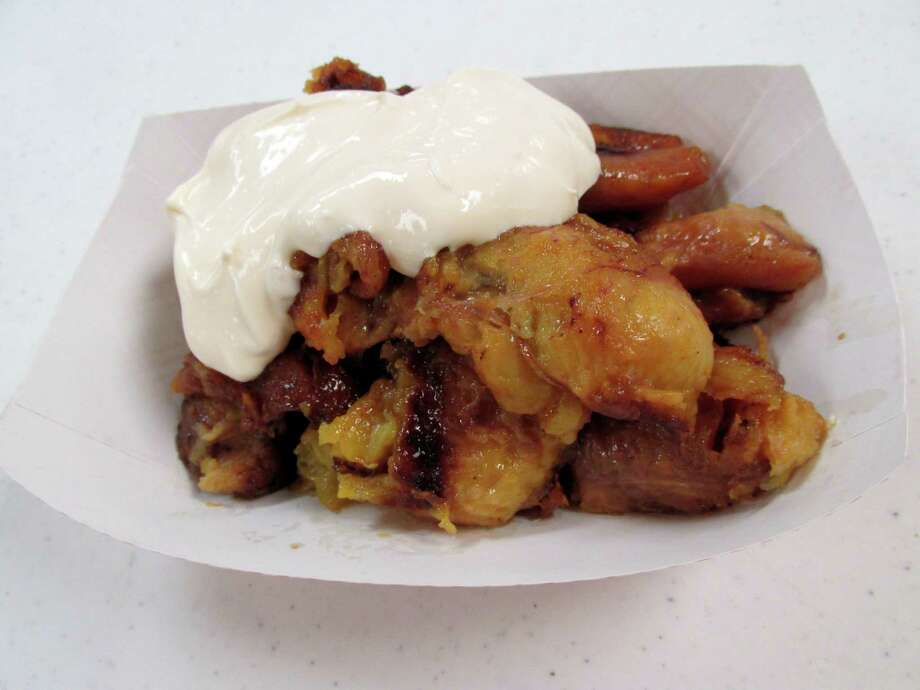 Fried plantains and cream at La Morenita Meat Market in Beaumont. Photo: Grace Mathis