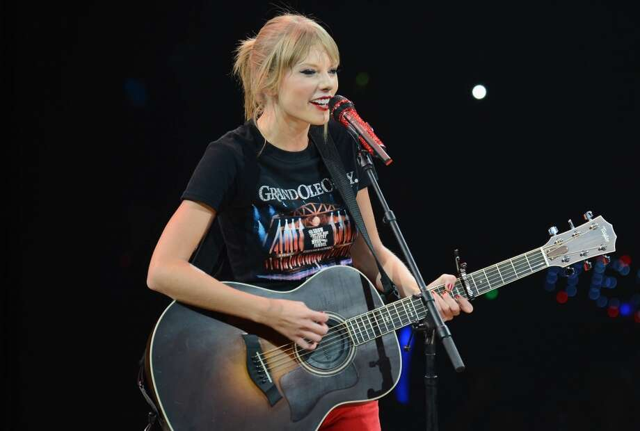 The BEST role model for teenage girls: Singer/songwriter Taylor Swift Photo: Larry Busacca/TAS