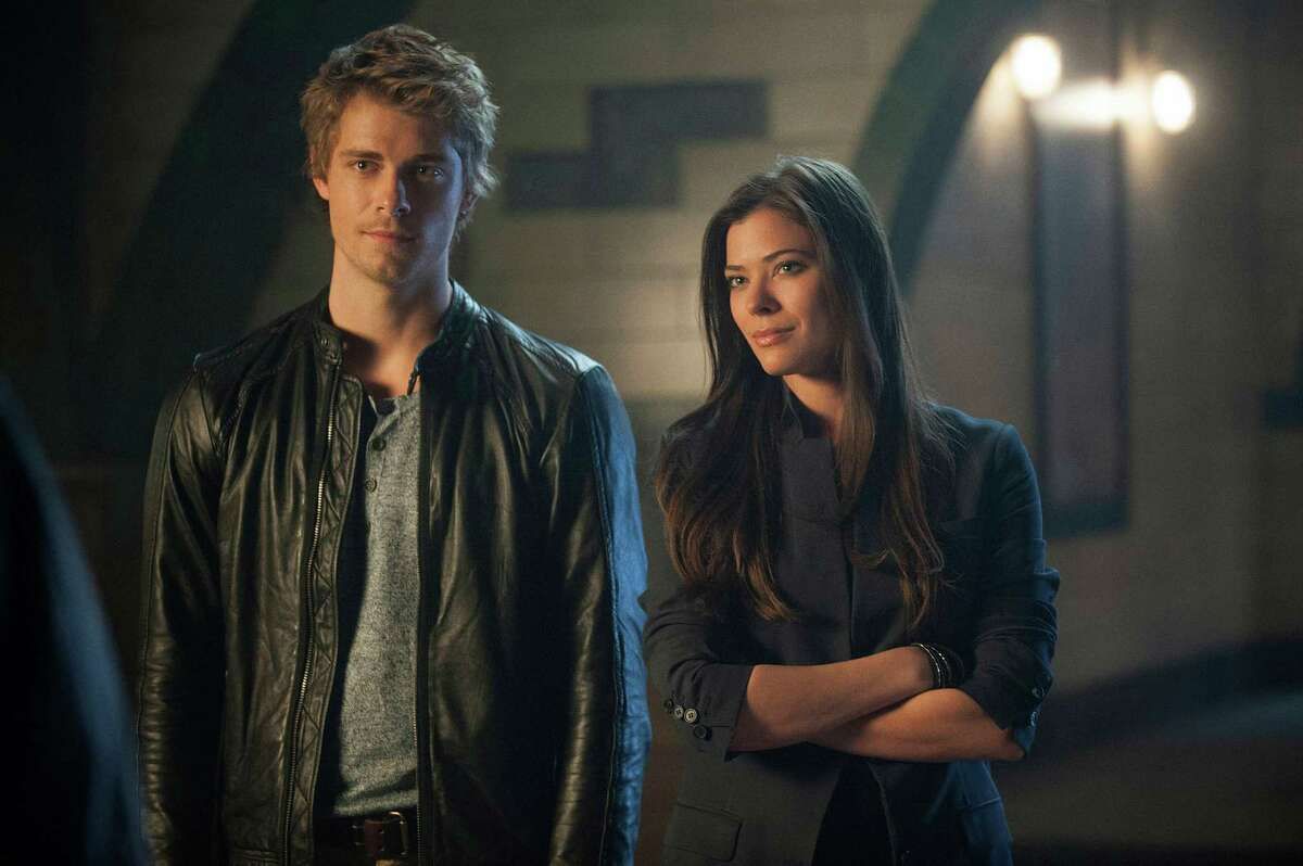 TOMORROW PEOPLE -- Pictured (L-R): Luke Mitchell as John and Peyton List as Cara
