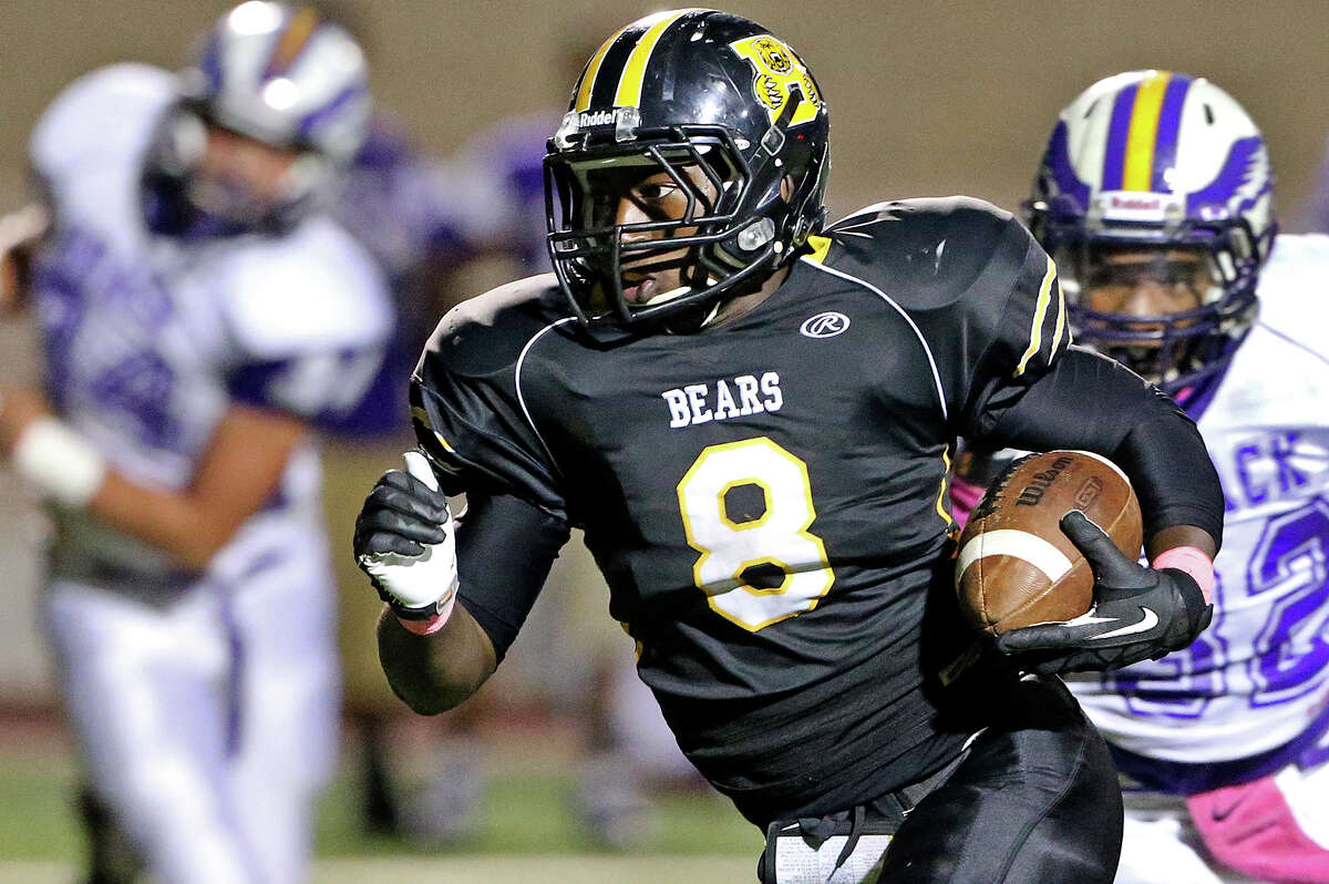 Nathaniel Wells sprints into the open for the Bears as Brennan hosts Brackenridge at Farris Stadium on October 5, 2013.