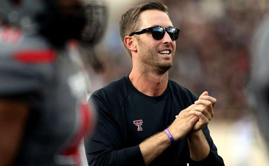 How does Kliff Kingsbury keeps Tech perfect with his starting quarterback now hurt.