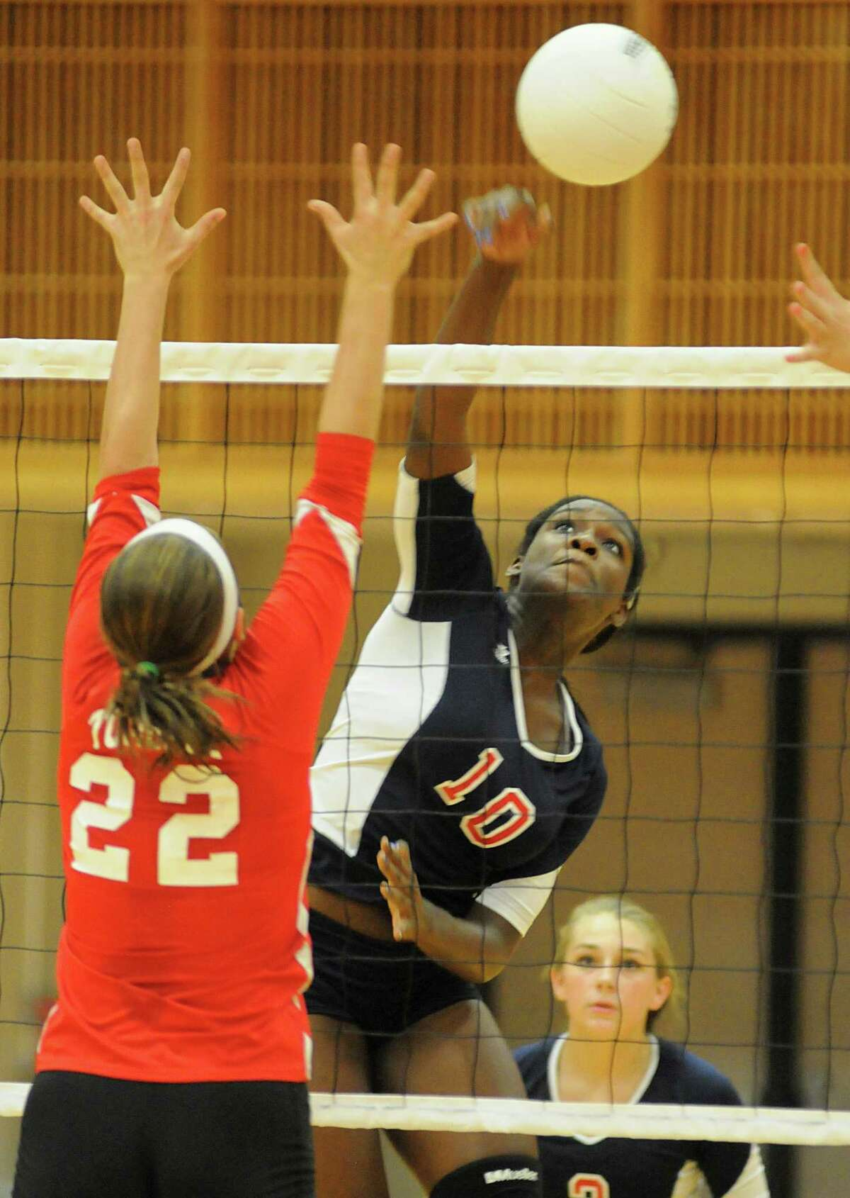 Atascocita's April Stewart (10) had 15 kills for the Eagles in a recent match against Klein.