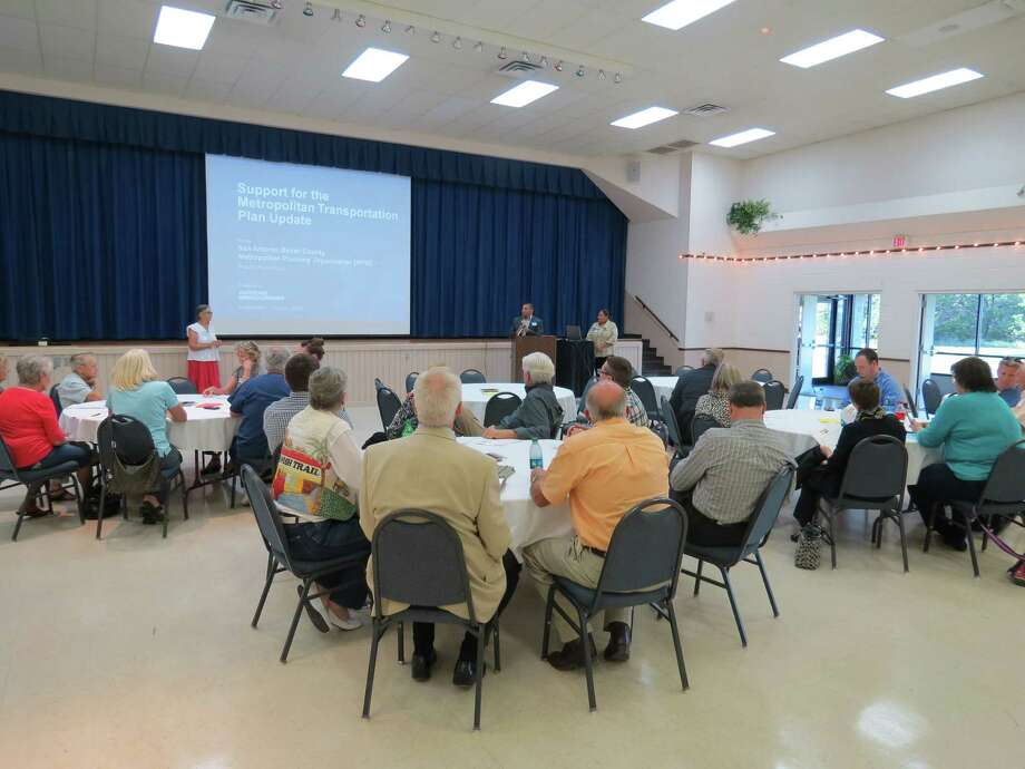 Kendall County residents listen to a presentation by the San Antonio-Bexar County Metropolitan Transit Organization Oct. 3 at the Boerne Civic Center. Photo: Courtesy MPO