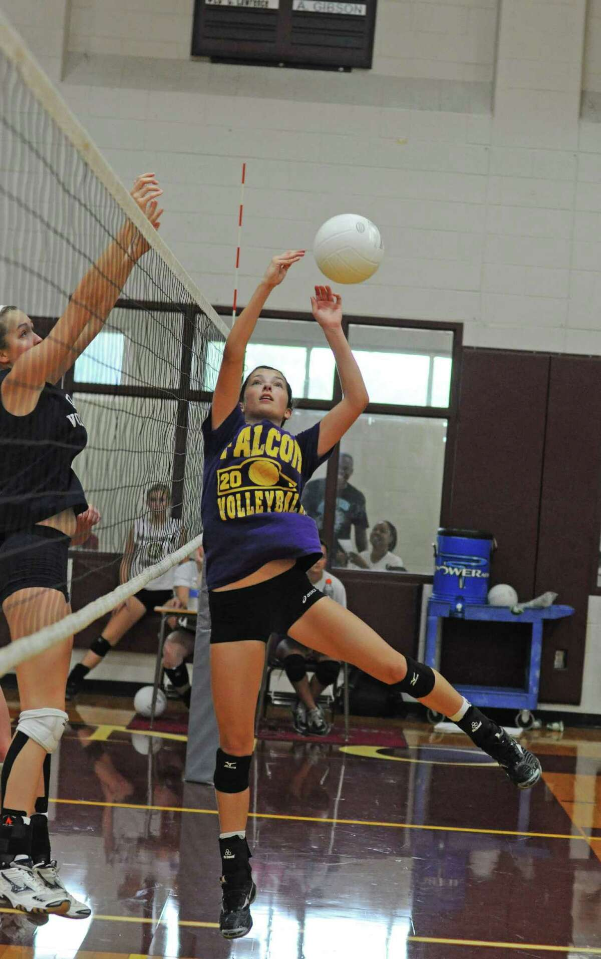Jersey Village volleyball junior setter Lauren Greenspoon during a scrimmage on 8-11-12 at Magnolia.