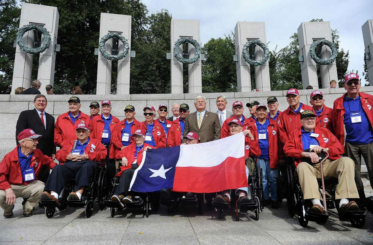 WWII veterans from Texas visit the WWII Memorial in Washington, D.C., October 8, 2013.