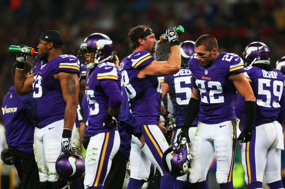 25. Vikings (1-3) Last week: 25The Vikings' signing of free-agent QB Josh Freeman gives them a possible quarterback controversy. Photo: Julian Finney, Getty Images