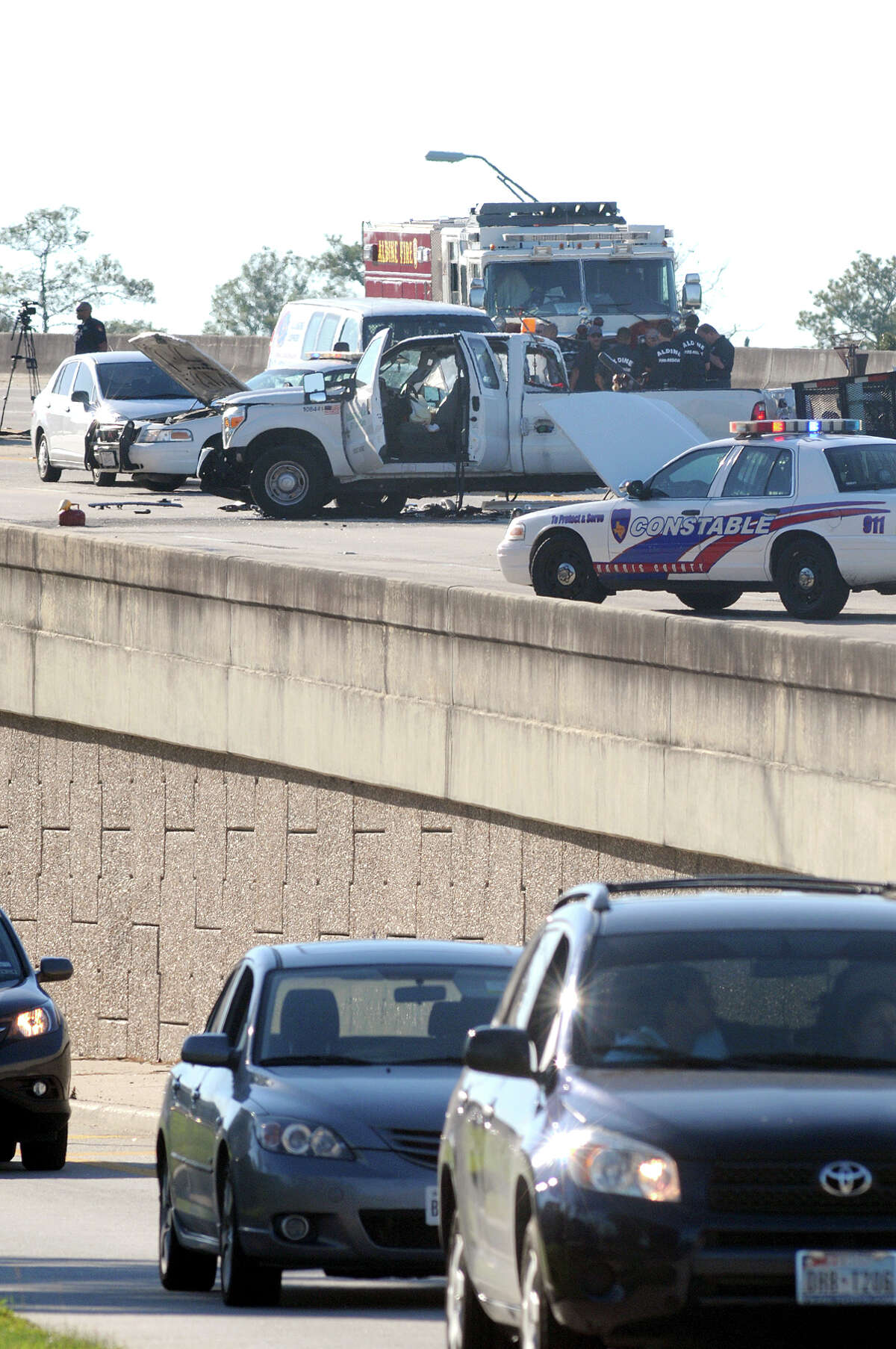 A head-on collision on the Hardy Toll Road at FM 1960 on Tuesday afternoon resulted in one fatality and injuries to 5 others.