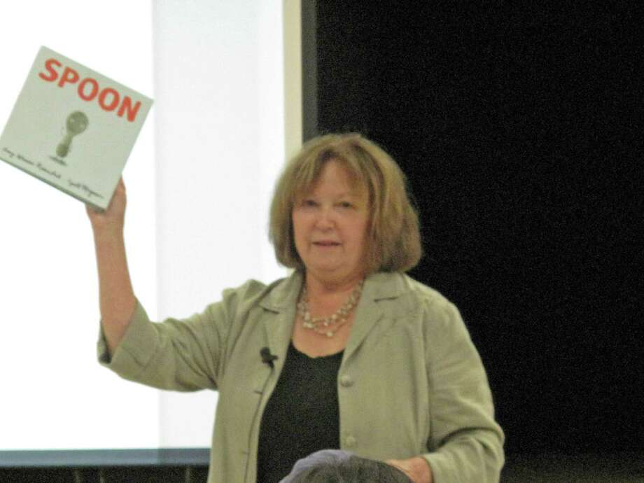 Glenda Green explaining the importance of reading. Green and her counterpart Karen Scalzo held and information sesssion for parents at East elementary school Tuesday morning about how the Common Core State Standards might affect language arts curriculum. Oct. 8, 2013. New Canaan, Conn. Photo: Tyler Woods