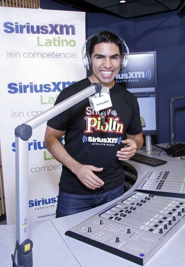 """Eddie """"Píolin"""" Sotelo comienza su show el 18 de octubre. Sotelo es la primera personalidad latina con un programa y canal de Sirius XM. Photo: Eddie Sakaki / Associated Press"""