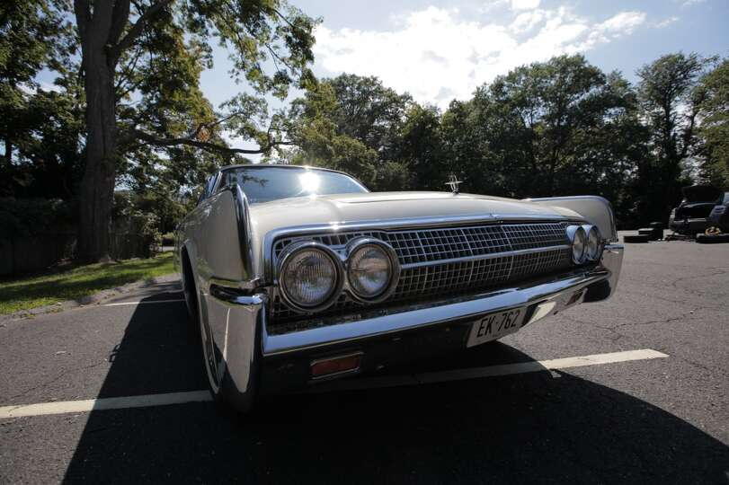 this 1963 lincoln continental was used by john f kennedy hours photo sfgate. Black Bedroom Furniture Sets. Home Design Ideas