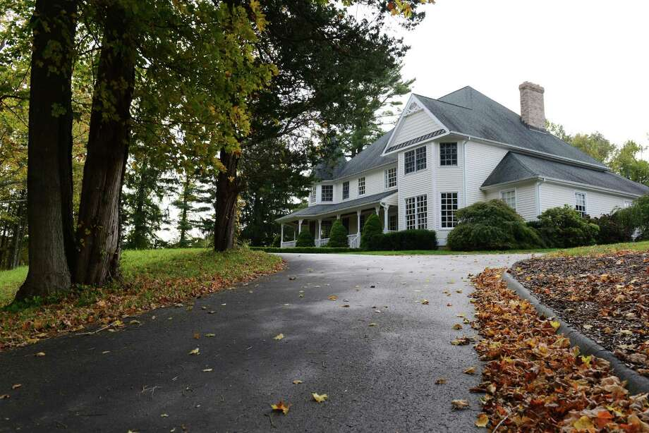 House for sale on 90 Hattertown Rd. in Newtown, Conn. on Wednesday, Oct. 9, 2013. Photo: Tyler Sizemore / The News-Times
