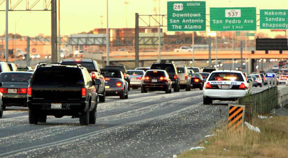 Twitter friend @cgin09 alerts drivers to speed traps at the Nakoma exit access road off of 281 North. Photo: GLORIA FERNIZ, Gloria Ferniz/Express-News Photo / gferniz@express-news.net