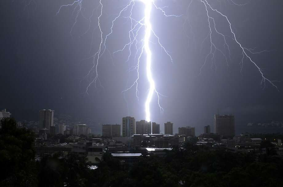 Now that's a lightning bolt:Acapulco might still be smoking after this electrical outburst. Photo: Bernandino Hernandez, Associated Press