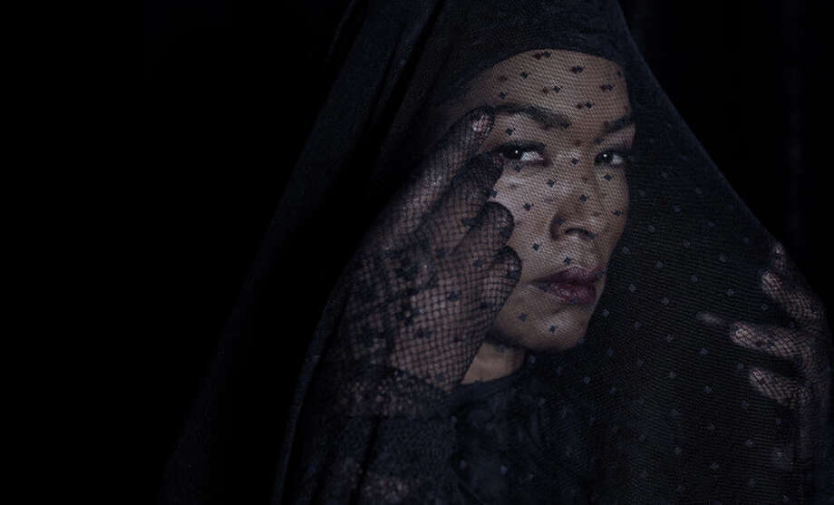 AMERICAN HORROR STORY: COVEN -- Pictured: Angela Bassett as Marie Laveau -- CR: Frank Ockenfels/FX