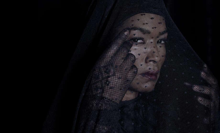 AMERICAN HORROR STORY: COVEN -- Pictured: Angela Bassett as Marie Laveau -- CR: Frank Ockenfels/FX