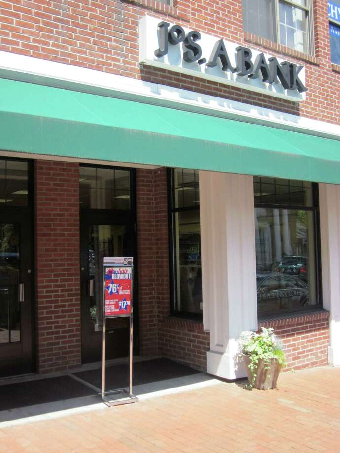 Jos. A. Bank on Main Street in New Canaan. Photo: File Photo, ST / New Canaan News