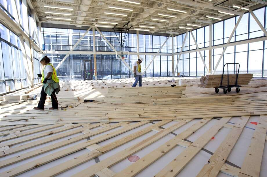 A basketball court is being built inside Anadarko's new Hackett Tower in The Woodlands. Photo: Brett Coomer, Houston Chronicle