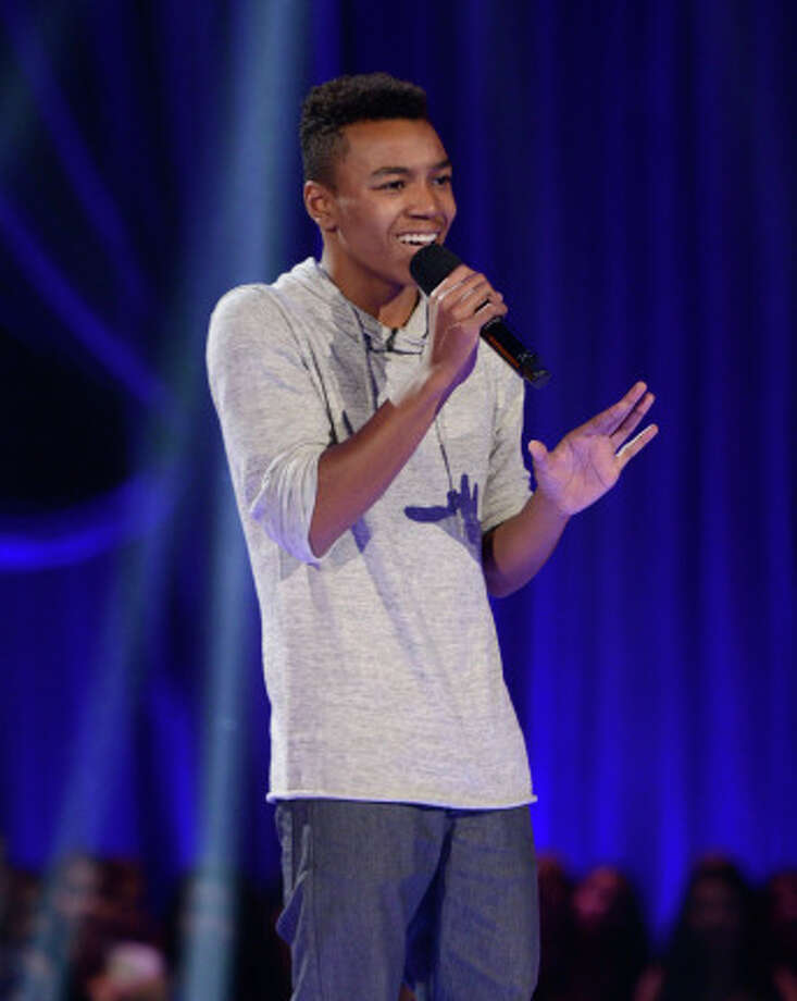 THE X FACTOR: FOUR CHAIR CHALLENGE: Contestant Josh Levi performs at the FOUR CHAIR CHALLENGE on THE X FACTOR airing Wednesday, Oct. 9 (8:00-10:00 PM ET/PT) on FOX.  CR: Michael Becker / FOX. © Copyright 2013 FOX Braodcasting. / 1