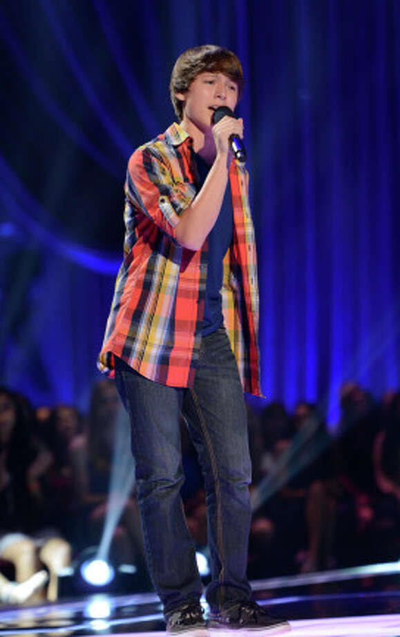 THE X FACTOR: FOUR CHAIR CHALLENGE: Stone Martin performs at the FOUR CHAIR CHALLENGE on THE X FACTOR airing Wednesday, Oct. 9 (8:00-10:00 PM ET/PT) on FOX.  CR: Michael Becker / FOX. © Copyright 2013 FOX Braodcasting. / 1