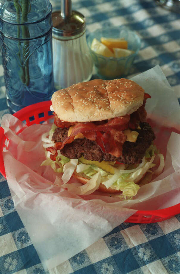 For Ultimate 2007 and READER PICK.  the burger at Lankford Grocery  08/05/98HOUCHRON CAPTION (08/14/1998): The bacon cheeseburger is a mainstay at the neighborhood Lankford Grocery. Photo: Betty Tichich, Houston Chronicle / Houston Chronicle