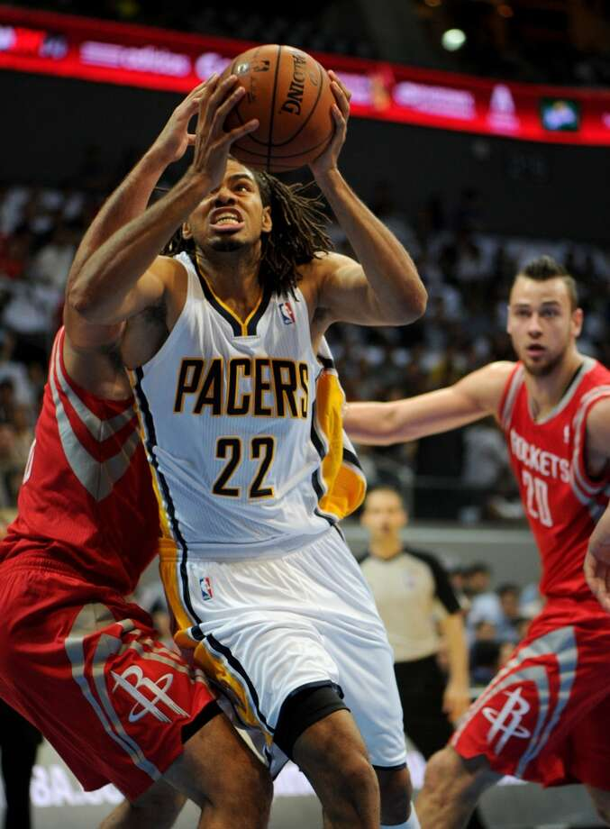 Chris Copeland of the Pacers drives the ball against the Rockets. Photo: NOEL CELIS, AFP/Getty Images