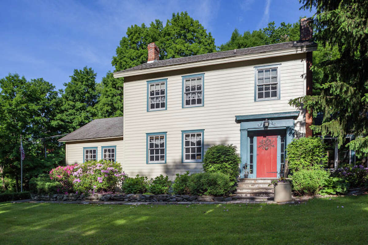 House of the Week: 1417 Albany Turnpike, Malden Bridge | Realtor: Steven Girvin at Better Homes and Gardens Real Estate Tech Valley | Discuss: Talk about this house
