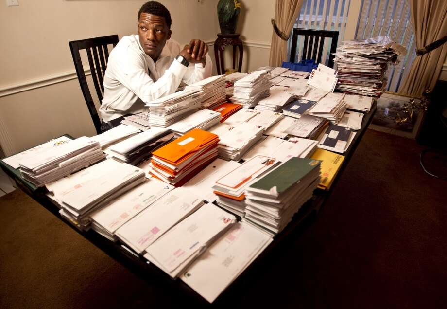 "Seals-Jones received recruitment letters from almost every college football program and the country, but originally pledged to play at Texas.  When he renounced his commitment to the Longhorns things became worrisome for Seals-Jones:  ""When I decommitted, it was crazy,"" he said in an article. ""I got death threats on Twitter. A couple cars in my neighborhood we didn't know would drive by house real slow. I live in the country, so the cars that do drive by, you know who's in them."" Photo: Nick De La Torre, Houston Chronicle"